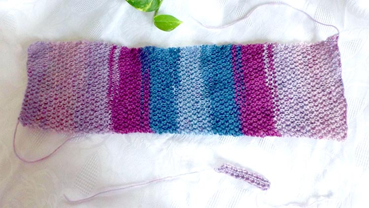How to knit a simple headband/ear warmer in moss stitch - Measuring the knitting